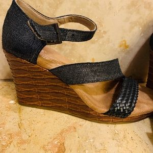 Toms Sandals Wedges Black 6.5